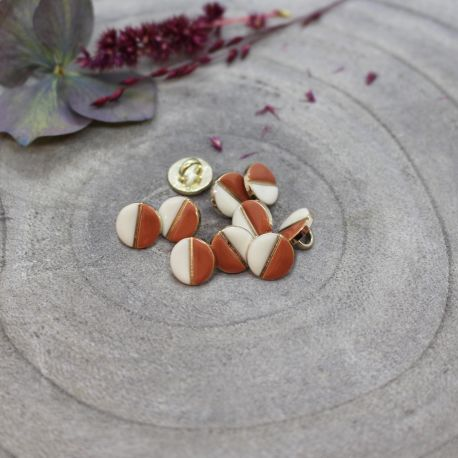 Wink Buttons Off-White - Chestnut